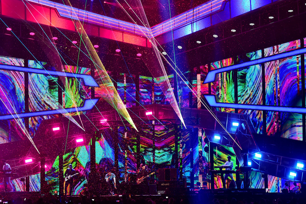 Coldplay and The Chainsmokers performing
